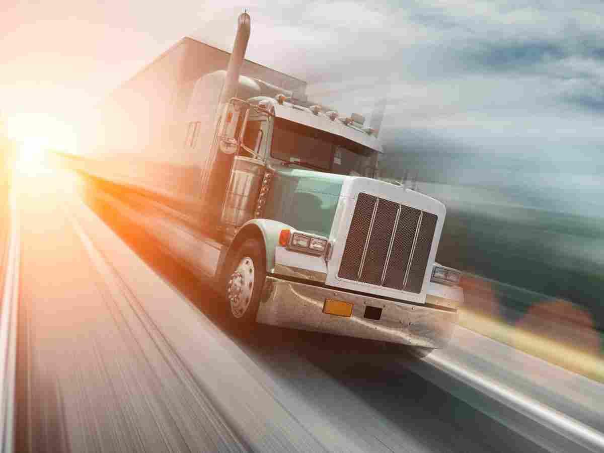 https://angelsxpress.com/wp-content/uploads/2017/08/inner_big_trucks_08.jpg